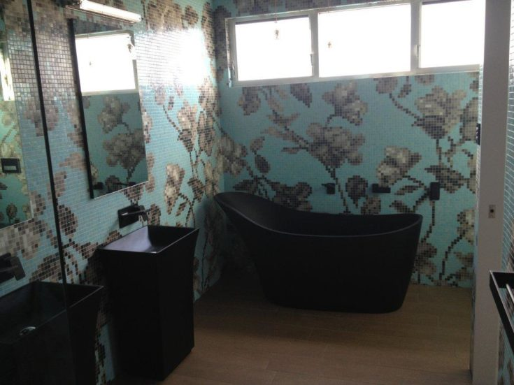 Freestanding Tub and Sink in the bathroom