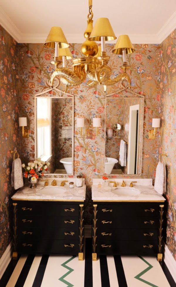 Inspiration for an eclectic bathroom remodel in Chicago