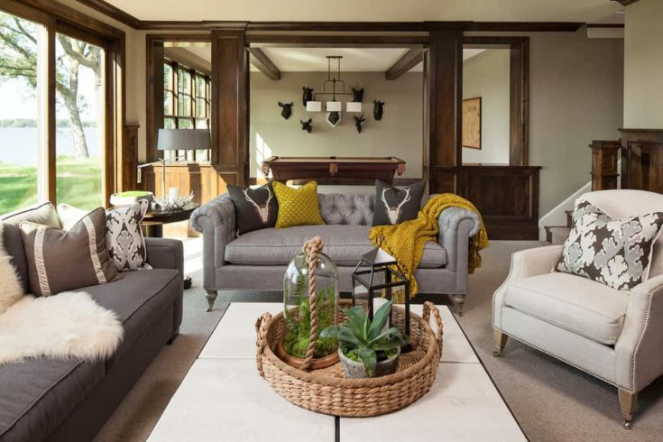 A classic carpeted family room