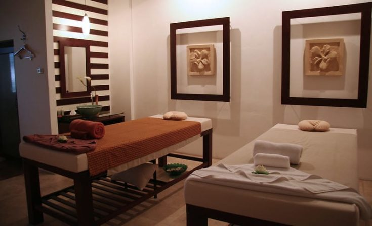 Thick Lines and Stripes massage room