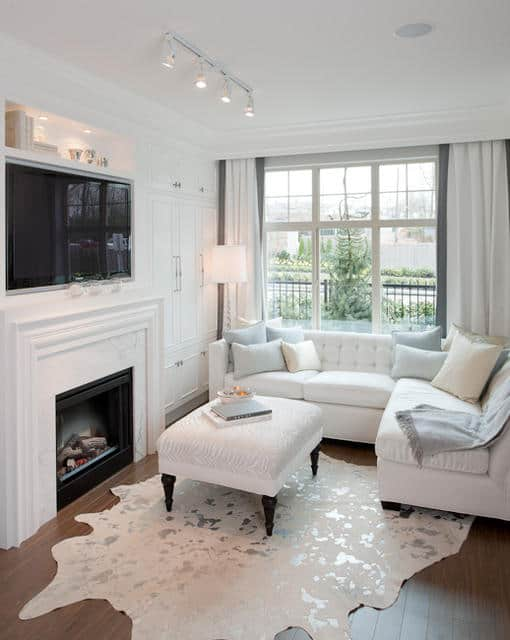 Kinfield Living Room - White and Cozy
